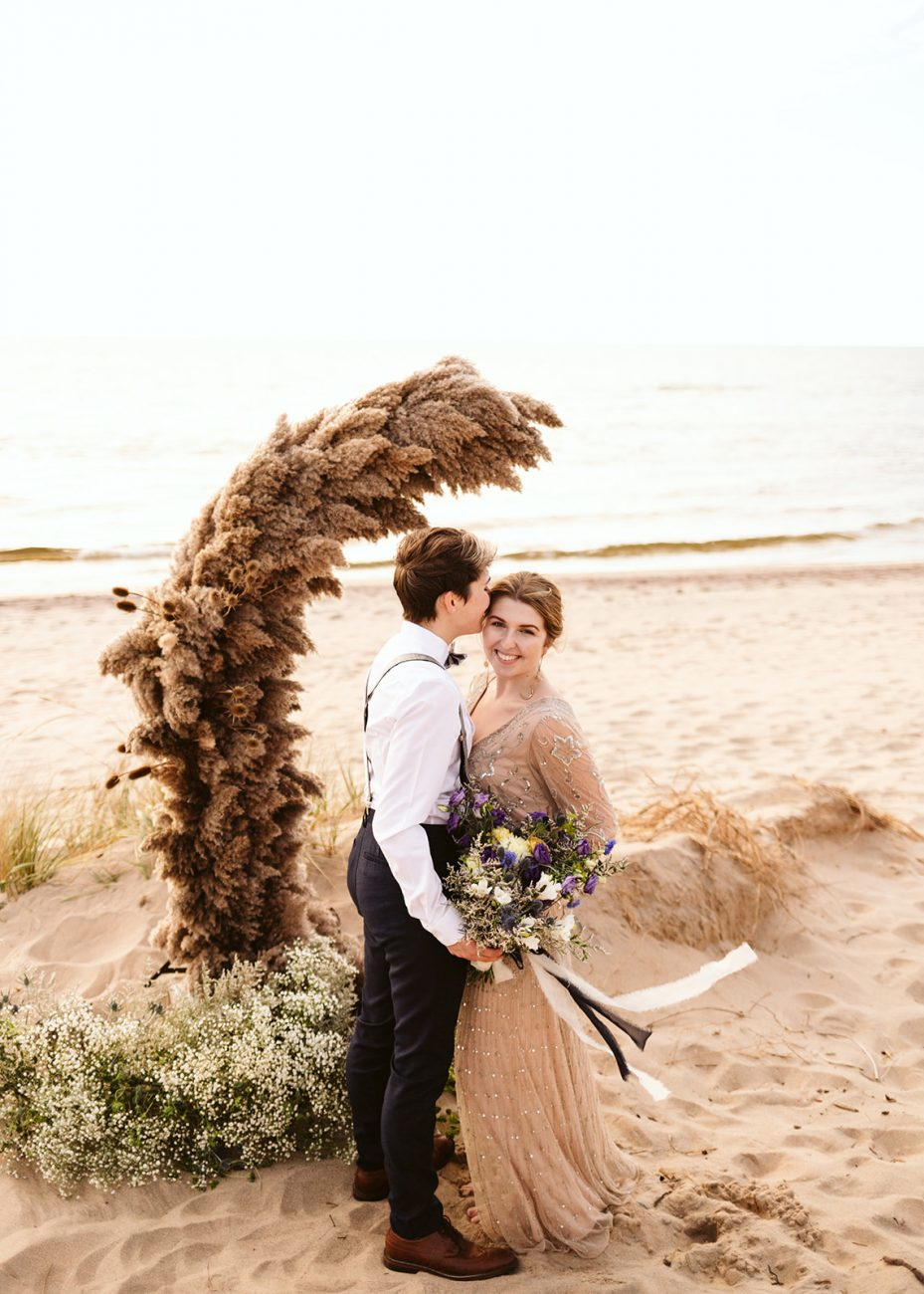 michigan sand dunes elopement