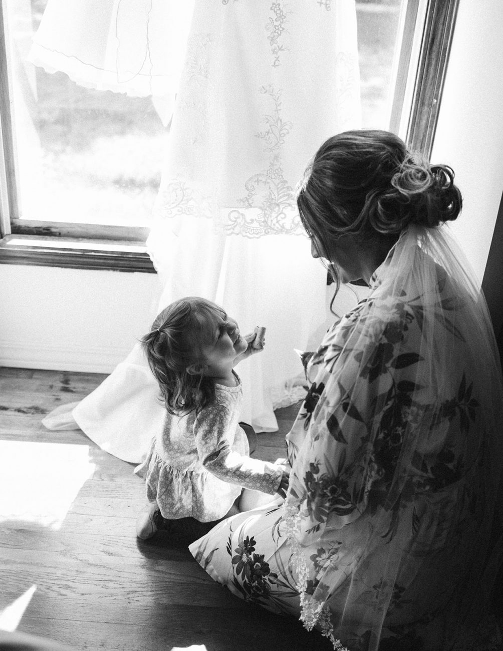 sweet flower girl wedding photos